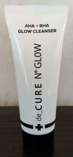 De Cure N Glow cleanser