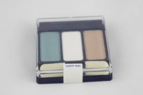 Express Yourself Trio Powder Eyeshadow